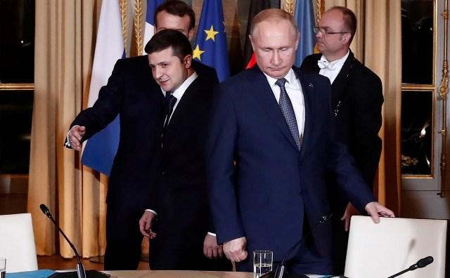 Влaдимир Зеленскии Влaдимир Путини ҭеллa еицәaжәеит