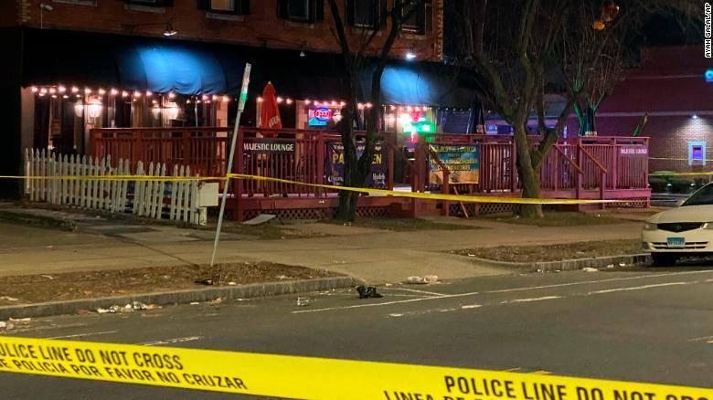 კონექტიკუტის შტატში, ღამის კლუბში სროლის შედეგადერთი ადამიანი დაიღუპა და ოთხი დაშავდა