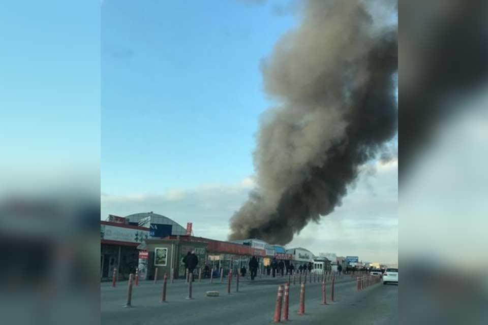 ბაქოს სავაჭრო ცენტრში ხანძრის შედეგად ცხრა ადამიანი დაშავდა, დაიწვა 60 მაღაზია