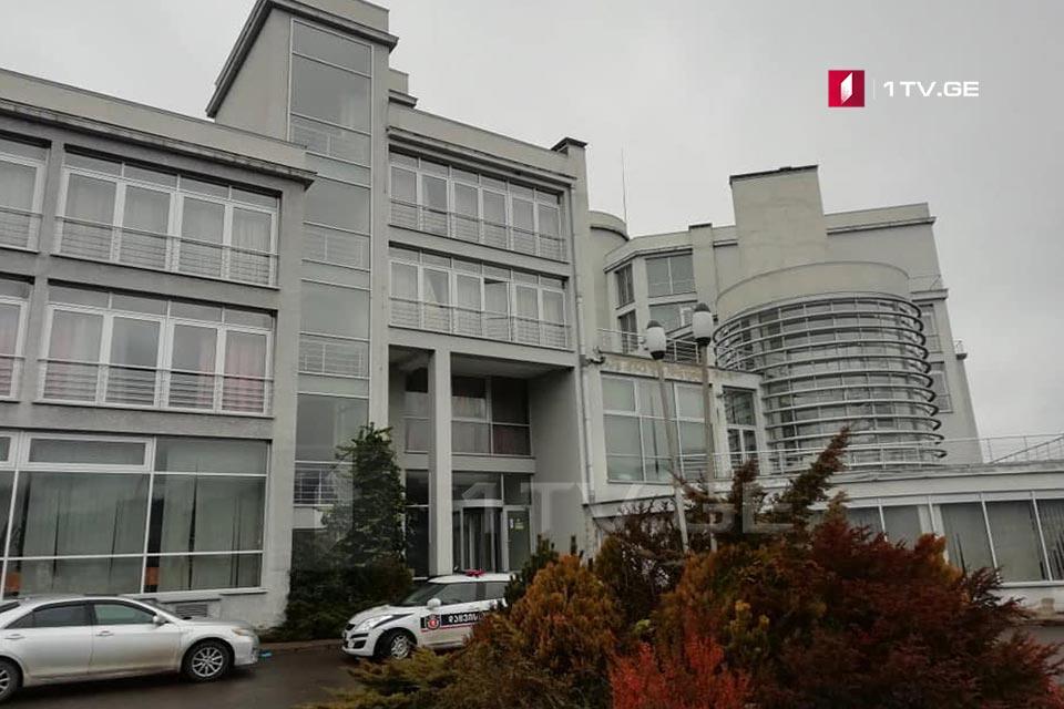 ჩინეთიდან ჩამოყვანილი საქართველოს 34 მოქალაქე კვლავ საჩხერის სამედიცინო ცენტრთან არსებულ სასტუმროში იმყოფება