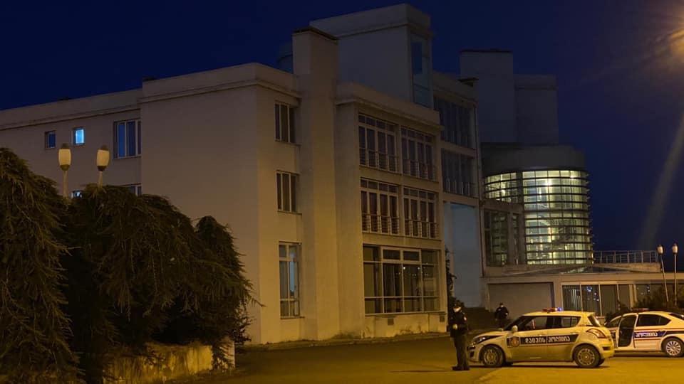საჩხერის კლინიკის დირექტორი - ჩინეთიდან ჩამოყვანილი საქართველოს 34 მოქალაქე საჩხერის სასტუმროში რჩება, მათი მდგომარეობა დამაკმაყოფილებელია