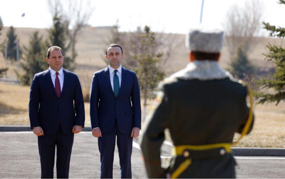 Իրակլի Ղարիբաշվիլիին հյուրընկալել է Հայաստանի պաշտպանության նախարարը