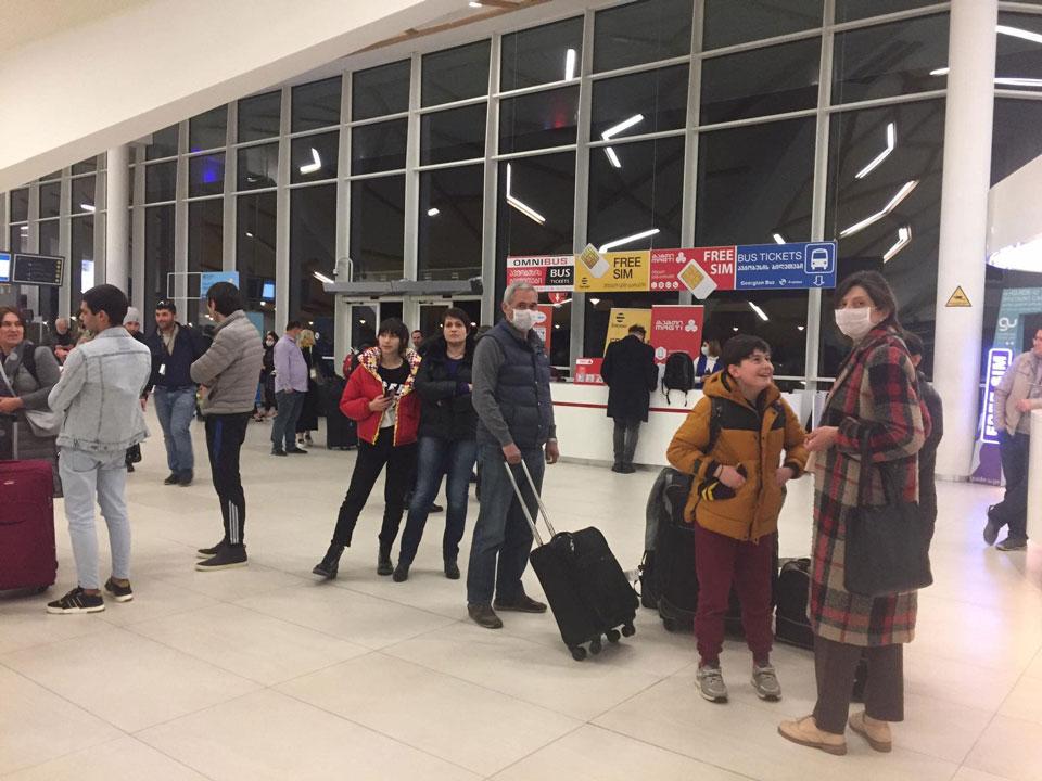ქუთაისის აეროპორტში მილანიდან ჩამოსული 115 მგზავრი შეამოწმეს,კორონავირუსის სიმპტომები არც ერთ მათგანს აღმოაჩნდა