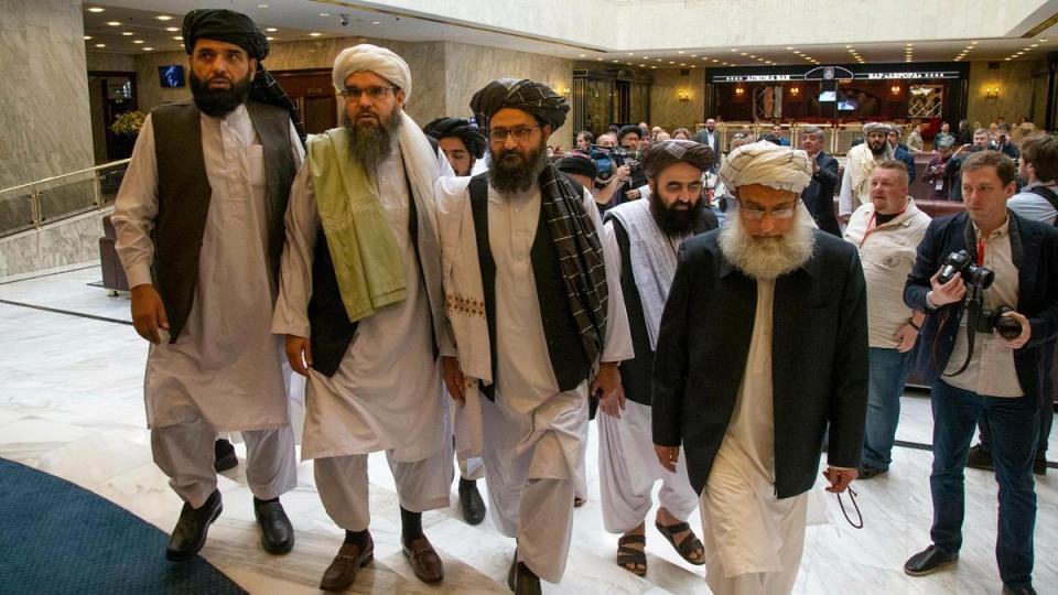 """აშშ-მა და """"თალიბანმა"""" სამშვიდობო პროცესის დაწყებასთან დაკავშირებით შეთანხმება გააფორმეს"""