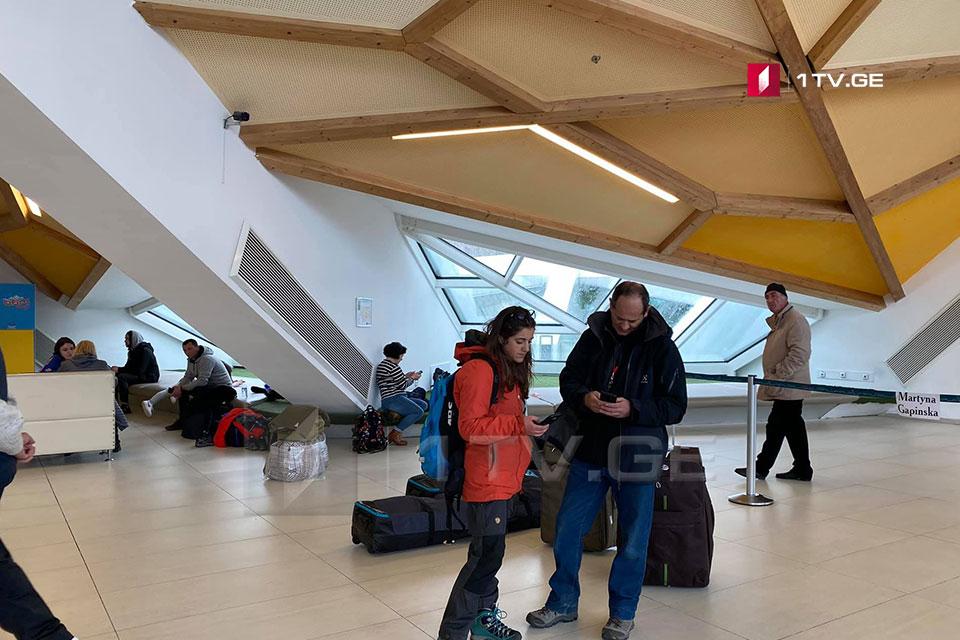 ქუთაისის აეროპორტში ბოლონიიდან ჩამოფრენილი 50 მგზავრი შეამოწმეს, ვირუსის სიმპტომები არც ერთს არ დაუფიქსირდა