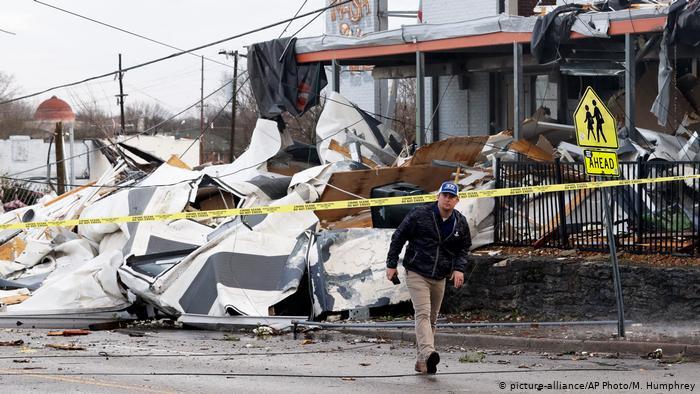 Tornado in Tennessee kills 30