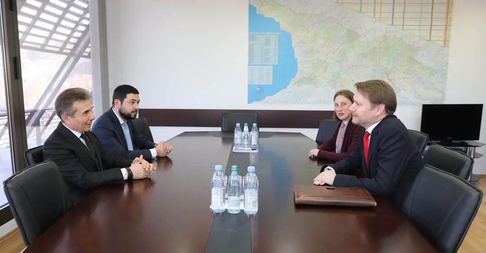 Бидзина Иванишвили провел встречу с послом Великобритании в Грузии Джастином Маккензи Смитом