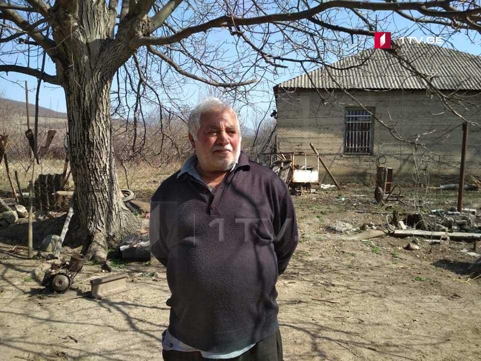 70 წლის ელდარ გუნდიშვილი, რომელიც ოკუპანტების ტყვეობაში იმყოფებოდა, ექიმმა ვაჟა გაფრინდაშვილმა მოინახულა