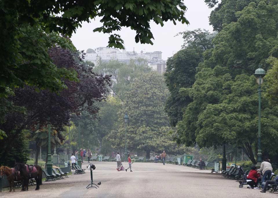 კორონავირუსის გამო პარიზში პარკები და სკვერები დაკეტეს