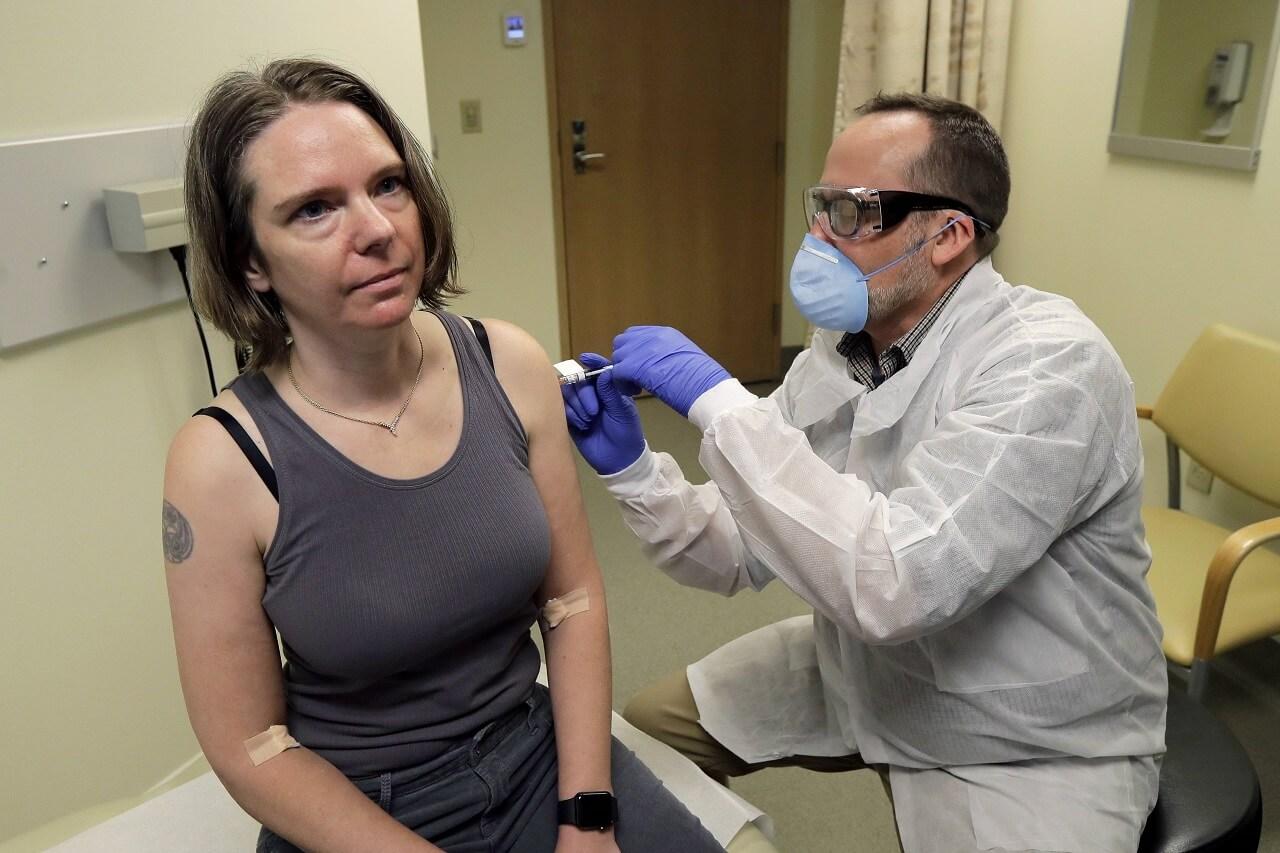 კორონავირუსის ექსპერიმენტული ვაქცინა აშშ-ში პირველ მოხალისეს გაუკეთეს