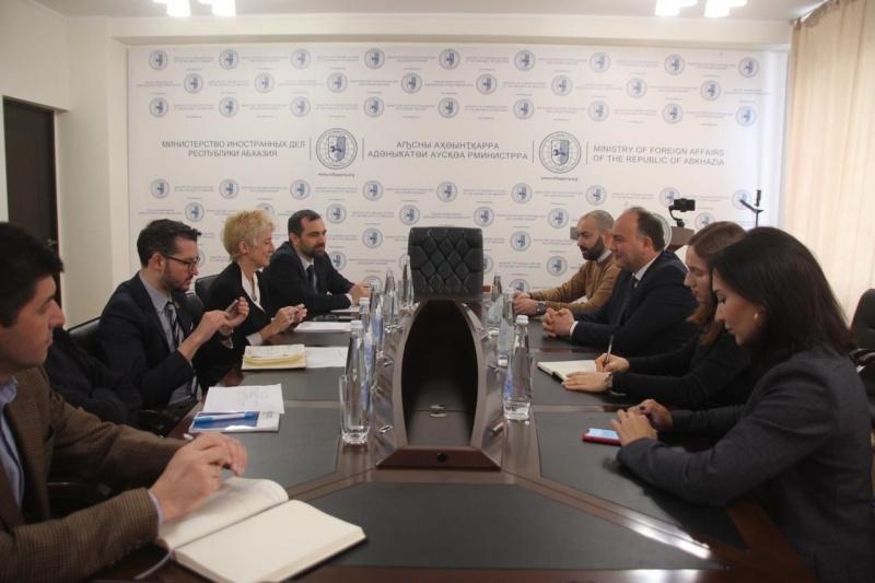 Руководитель грузинского офиса ВОЗ прибыл в оккупированную Абхазию
