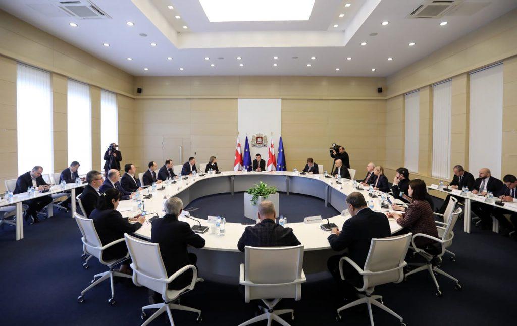Правительство - Ожидается, что замедление экономического роста в странах-торговых партнерах Грузии повлияет на экспорт и денежные переводы страны