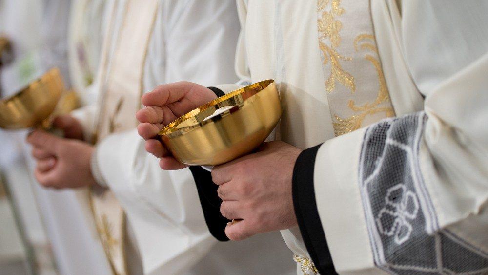 30 священнослужителей умерли от коронавируса в Италии
