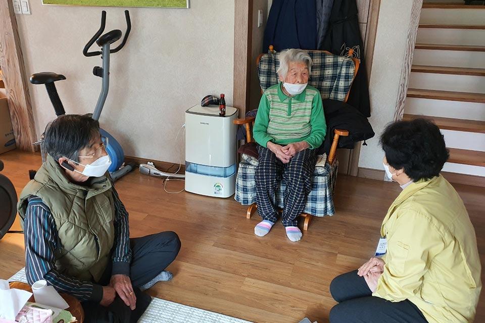 სამხრეთ კორეაში კორონავირუსით ინფიცირებული 96 წლის პაციენტი განიკურნა