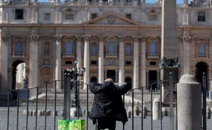 За последние сутки в Италии от коронавируса умерли 969 человек