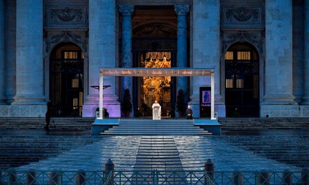 წმინდა პეტრეს მოედანზე, პირდაპირ ეთერში, რომის პაპის საგანგებო მიმართვას 11 მილიონი ადამიანი უყურებდა