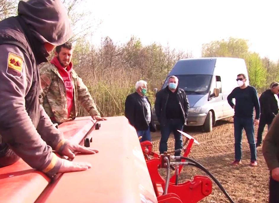 სოფლის მეურნეობის სამინისტროს ცნობით, საგაზაფხულო სამუშაოებისას ფერმერები კორონავირუსთანდაკავშირებულ უსაფრთხოების წესებს ითვალისწინებენ