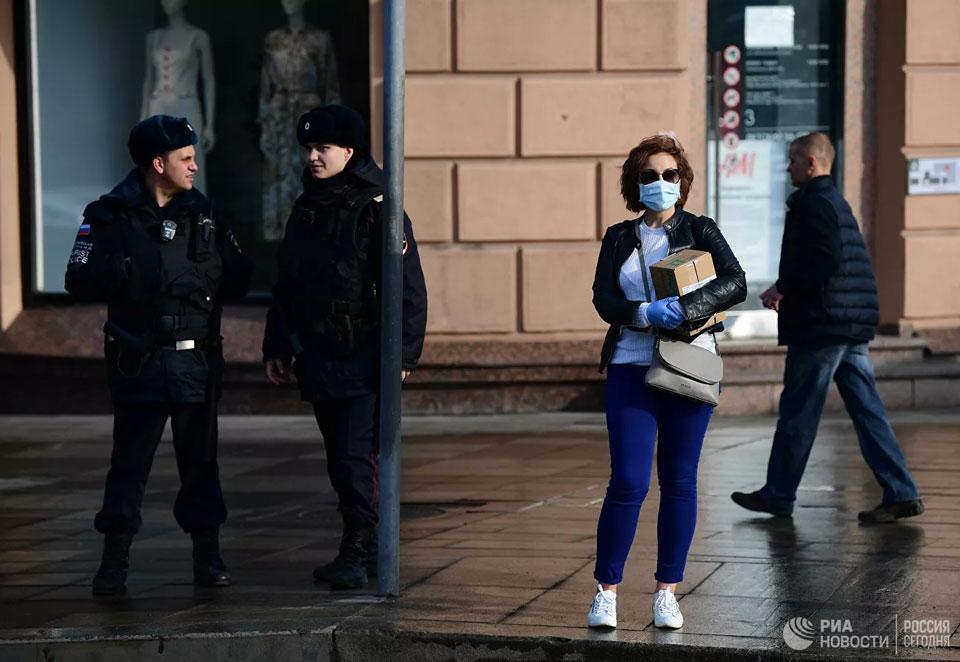Москва ужесточает правила самоизоляции