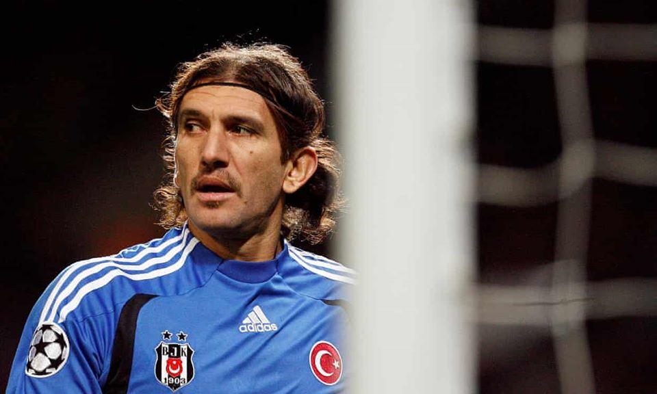 თურქული ფეხბურთის ლეგენდა რუშთუ რექბერი კორონავირუსის გამო კრიტიკულ მდგომარეობაშია