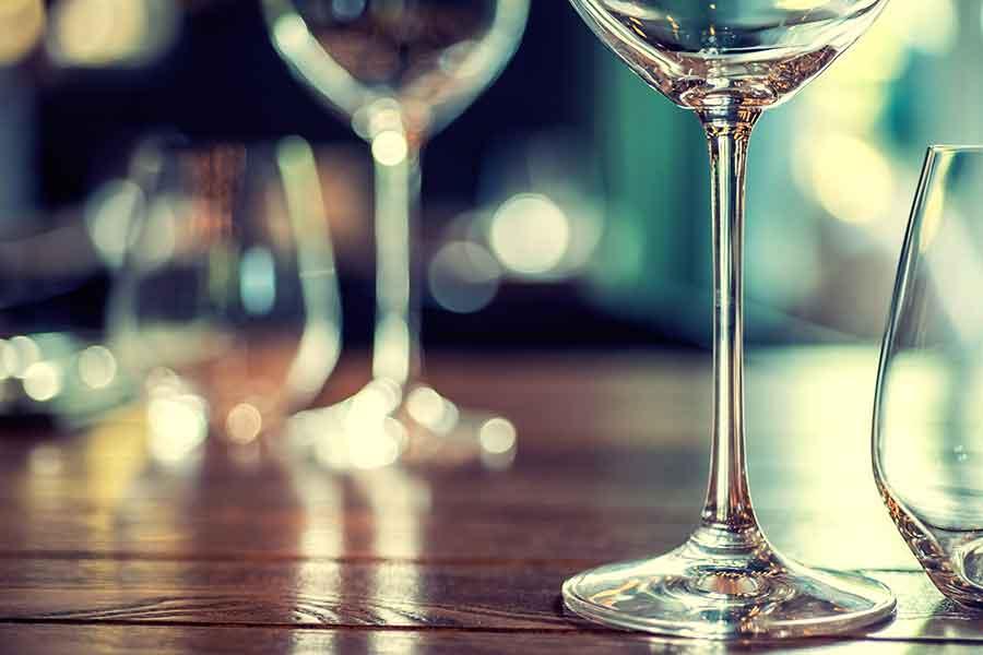 პანდემიის დროს ალკოჰოლის მოხმარებისას დაიცავით ზომიერება, რათა შეინარჩუნოთ იმუნური სისტემის სიჯანსაღე — ექსპერტები გვაფრთხილებენ