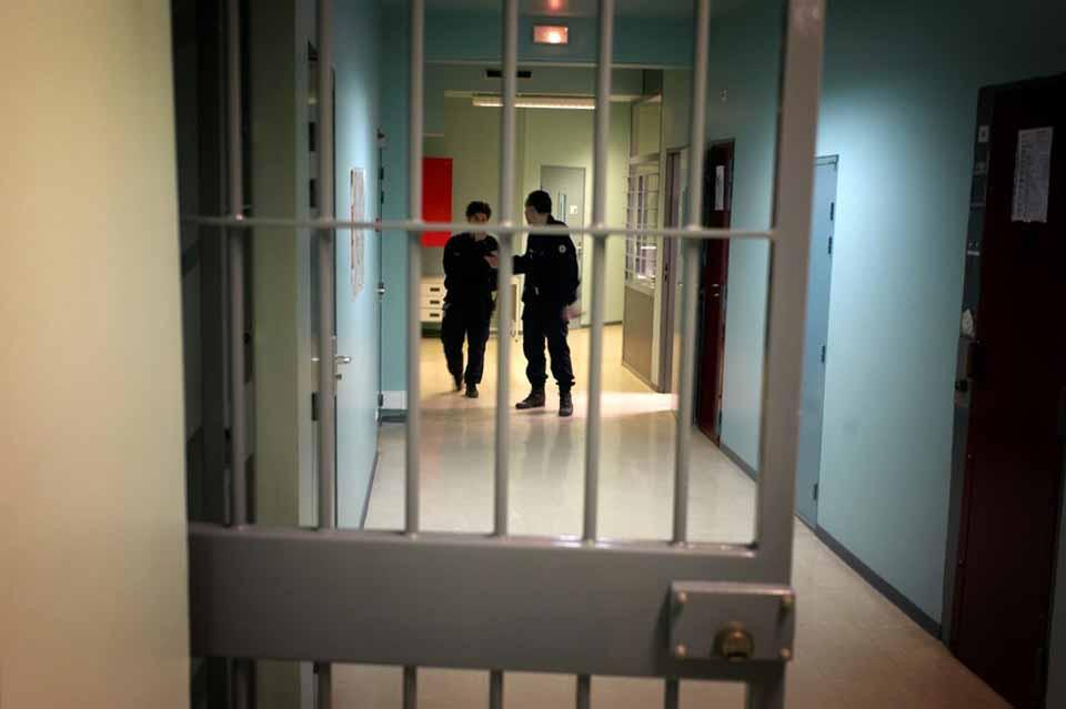კორონავირუსის ეპიდემიის გამო საფრანგეთში 6 266 პატიმარი გაათავისუფლეს