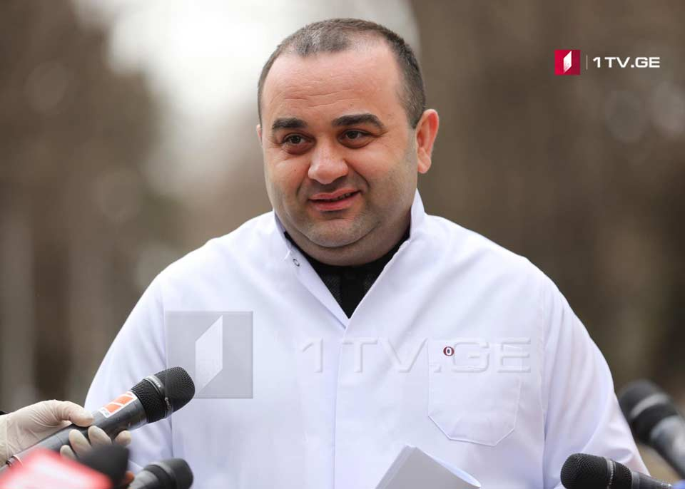 ლევან რატიანმა ჟურნალისტებს ქართული წარმოების პირბადეები გადასცა