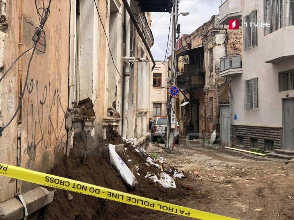 თბილისში, ლერმონტოვის ქუჩაზე ავარიული შენობის დემონტაჟის დროს სამი მუშა დაშავდა