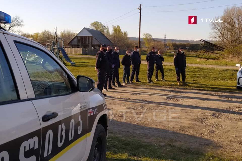 ხაშურის მუნიციპალიტეტის სოფელ ხიდისყურში მკაცრი საკარანტინო რეჟიმის აღსრულებას შსს-ს საპოლიციო ძალებიუზრუნველყოფენ