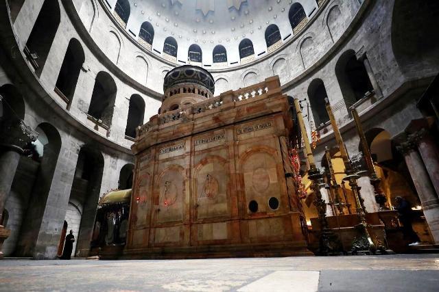იერუსალიმში, ქრისტეს აღდგომის ტაძარში წმინდა ცეცხლის რიტუალი შესრულდება