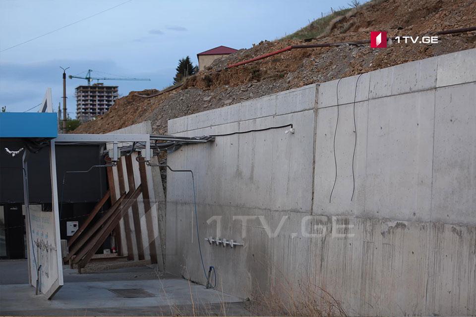 გლდანის რაიონში, შეშელიძის ქუჩის მიმდებარედ, დამეწყრილი უბნის საყრდენი კედელი მოეწყო