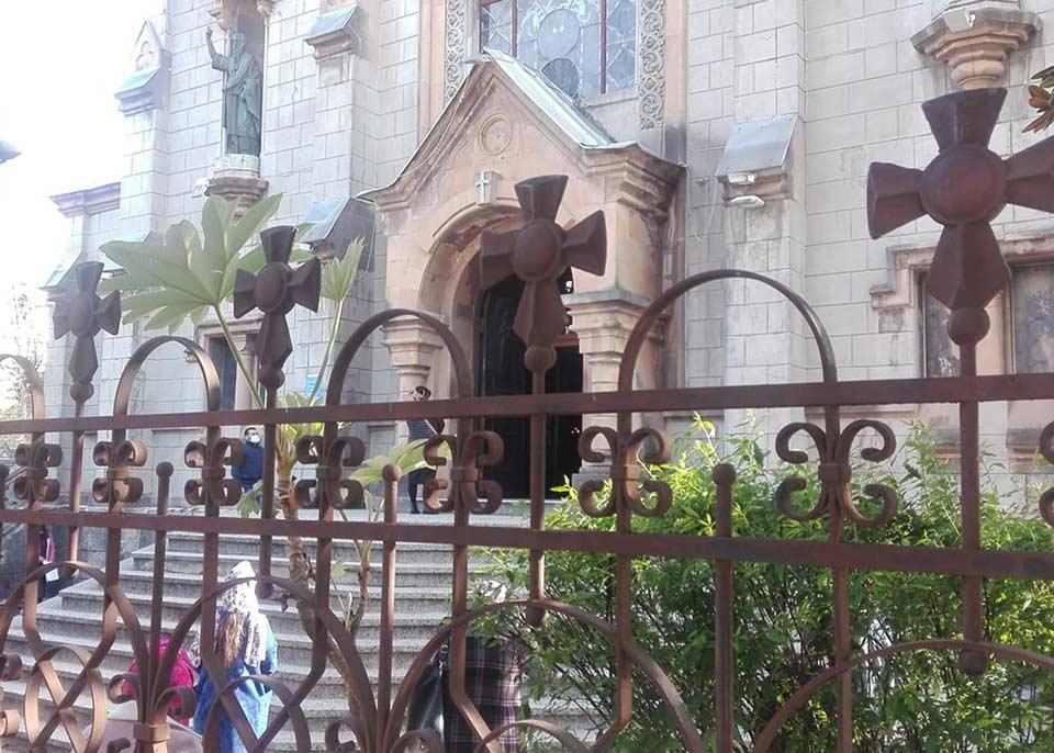 ბათუმისა და ლაზეთის ეპარქია მრევლს მოუწოდებს, აღდგომის დღეებში საფლავების მონახულებისგან თავი შეიკავოს