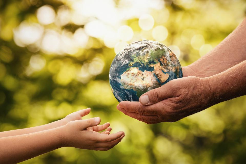 """პიკის საათი - ,,ეკოპიკი"""" - დედამიწის დღეს დედამიწა სუფთაა! შევინარჩუნოთ!"""