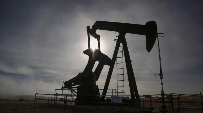 დასავლეთ ტეხასური ნავთობი ისტორიაში პირველად რვა დოლარამდე გაუფასურდა