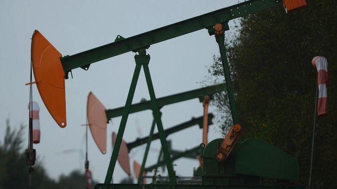 ამერიკული WTI მარკის ბარელი ნავთობის ფასი მაისის კონტრაქტებისთვის -37.63 დოლარამდე დაეცა