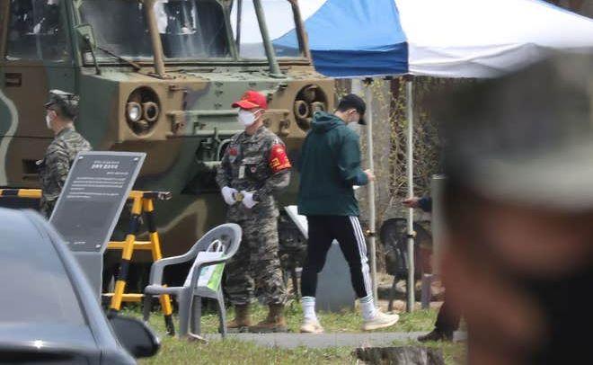 ჰეონ-მინ სონმა სამშობლოში სამხედრო სამსახური დაიწყო