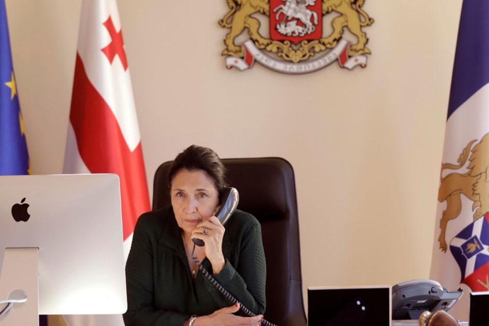 Salome Zurabişvili İtaliya Respublikası prezidenti ilə telefonla söhbət etdi