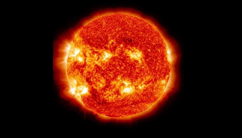 ჩვენი მზე მის მსგავს სხვა ვარსკვლავებზე გაცილებით სუსტია — ახალი კვლევა