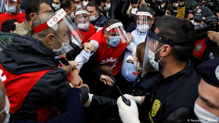 Police arrest 45 over May Day rally in Istanbul, Ankara