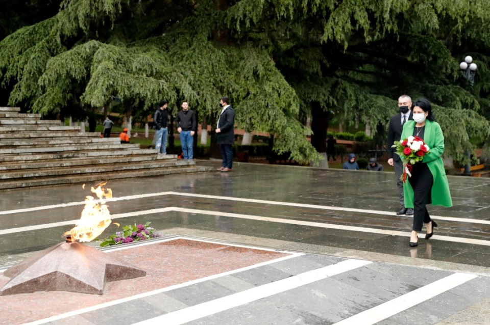 President laid wreath at Memorial of Unknown Soldier in connection with Victory Day