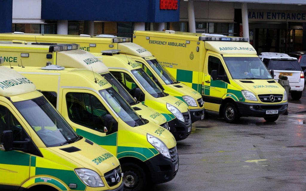 """დიდ ბრიტანეთში ბოლო 24 საათში """"კოვიდ-19""""-ის დიაგნოზით 428 ადამიანი დაიღუპა"""