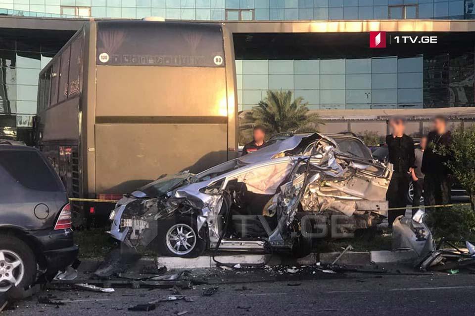 ბათუმში ავტოავარიის შედეგად სამი ადამიანი დაშავდა