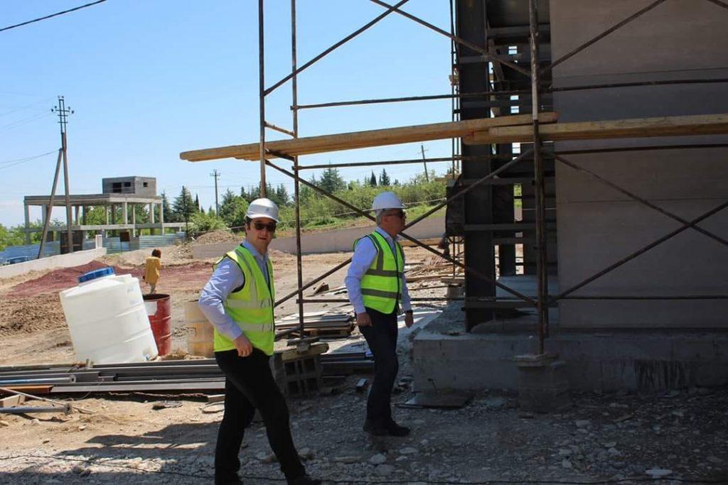 ირაკლი ქადაგიშვილი გურჯაანში ინოვაციების რეგიონული ცენტრის მშენებლობის პროცესს გაეცნო