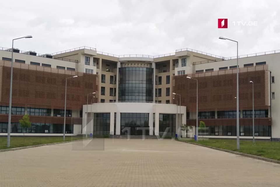 რუხის საავადმყოფოში ოთხი კოვიდინფიცირებული პაციენტი აგრძელებს მკურნალობას