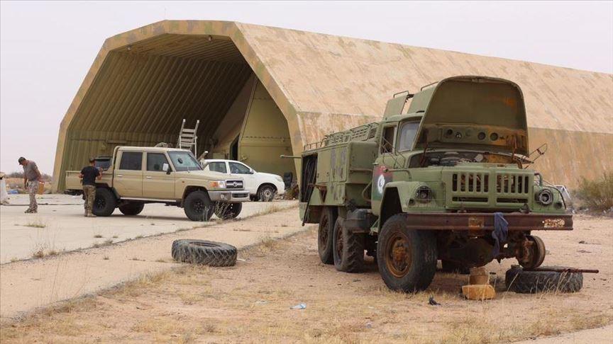ლიბიის არმიამ ამბოხებული გენერლის, ხალიფა ჰაფთარის მებრძოლების ათი ერთეული სამხედრო ტექნიკა გაანადგურა