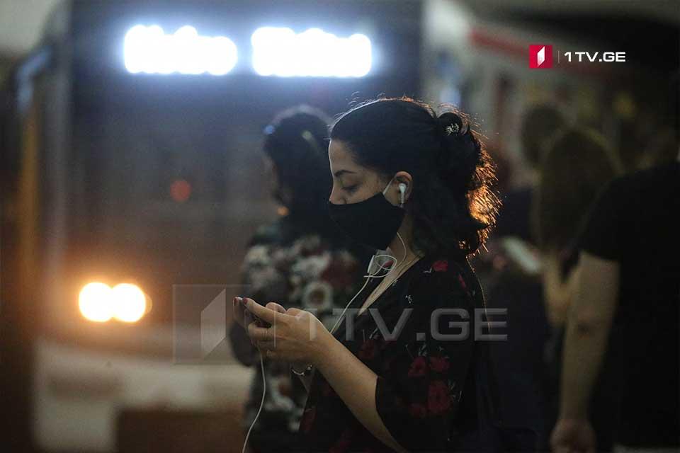Парламент одобрил законодательные изменения в первом чтении, касающиеся обязательного ношения маски