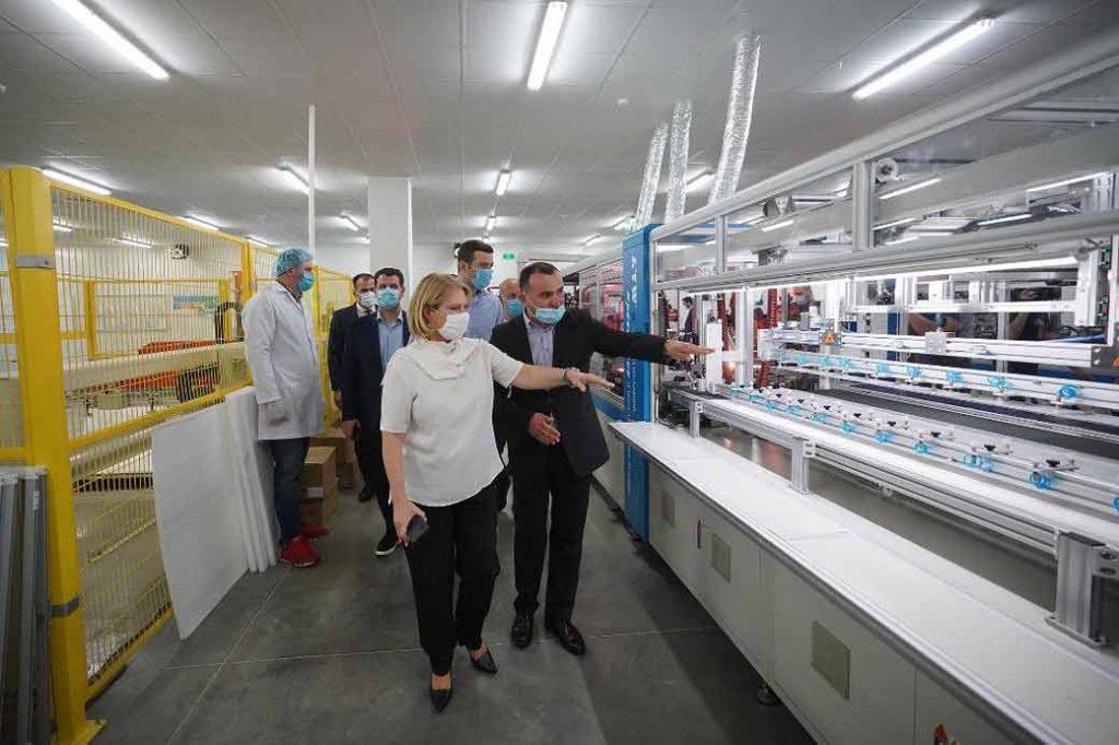 Натиа Турнава - Компания AE SOLAR отправила сегодня в США первую партию продукции из Грузии