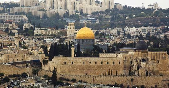 იერუსალიმში ალ-აქსას მეჩეთი ორთვიანი პაუზის შემდეგ გაიხსნა