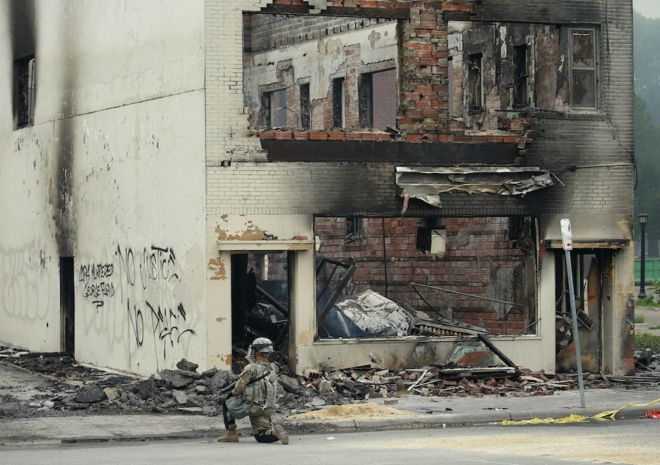 """""""ბიბისი"""" - ჯორჯ ფლოიდის სიკვდილი: რატომ გაეხვია ამერიკული ქალაქი ცეცხლის ალში"""