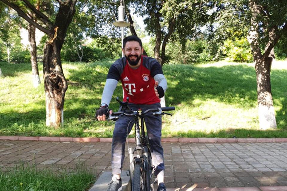 """პიკის საათი - """"დილის ფოსტა"""" - მსოფლიო ველოსიპედის დღეს აღნიშნავს"""