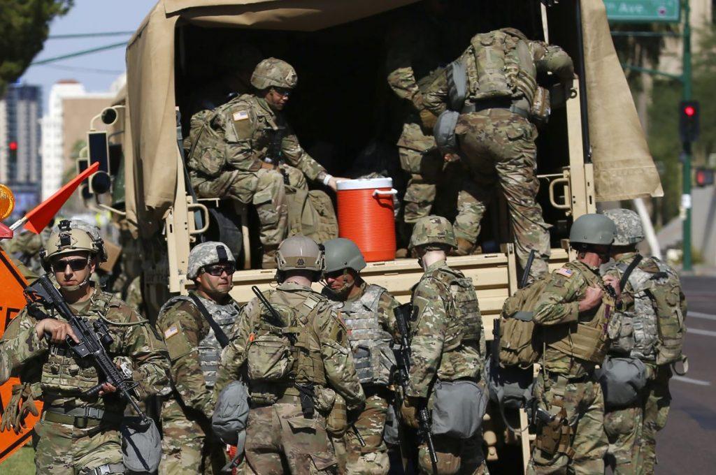 Пентагон перебросил 1600 военных в район Вашингтона